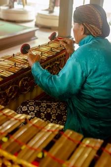 Музей сонобудойо, джокьякарта - индонезия