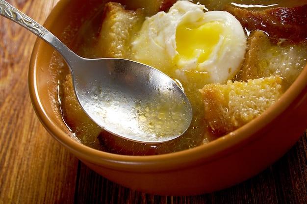Sopa de ajo, кастильский чесночный суп. фермерский стиль