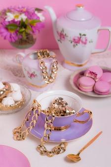 Изысканная композиция для чаепития