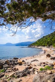 イタリア、サルデーニャ島、オロゼーイゴルフのsos dorrolesビーチ