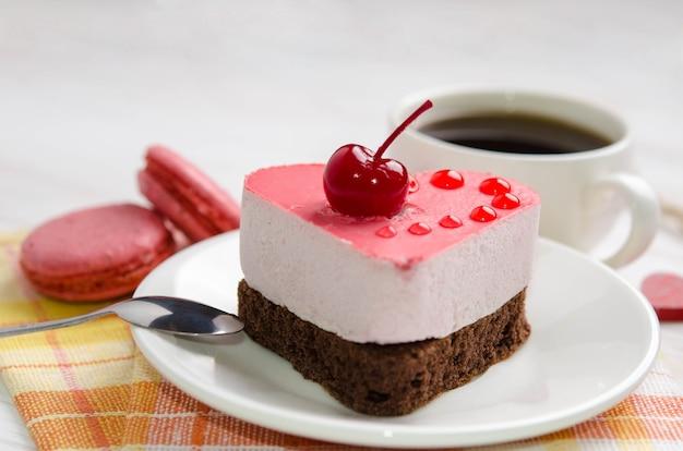 Суфле торт с чашкой кофе