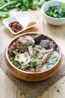 Soup of pork ribs with rice noodles