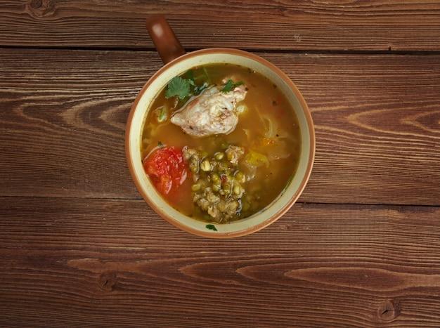 ムングダルとスープshourpa。ウズベキスタン料理