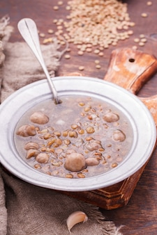 レンズ豆とキノコのスープ
