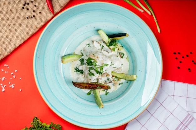 Sour cream with cucumber and herbs