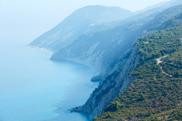 Южный мыс острова лефкас (греция, ионическое море)