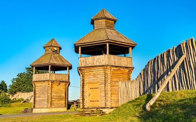 ボルガータウンの南門。タタールスタン、ロシア
