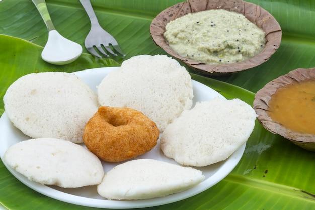 南インド料理idli vada