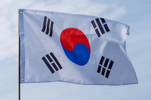 空に韓国の旗