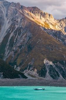 Южные альпы новой зеландии озеро тасман южный остров