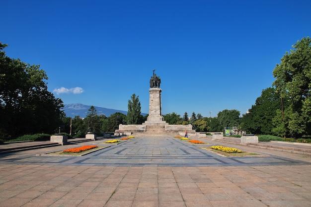 ブルガリア、ソフィアのソビエト軍記念碑