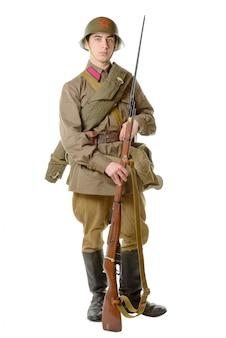 Soviet soldier uniform early in the war