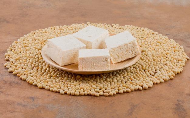Индийский сыр soya bean paneer.