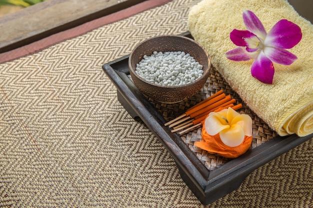 Спа набор. цветок фасонные свечи, ароматические палочки в оранжевой коробке