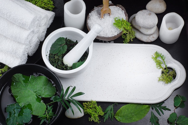 Spa set in white and green