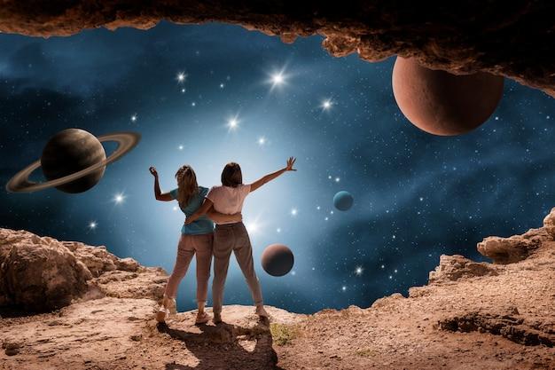 若い女性との宇宙コラージュ