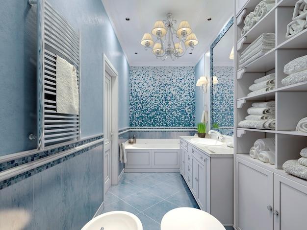 Просторная синяя ванная в классическом стиле.