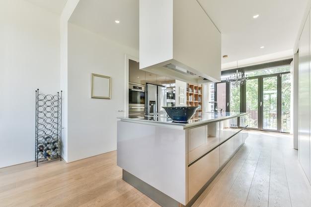 Дизайн просторной кухни