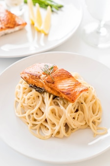 Spaghetti cream sauce with salmon
