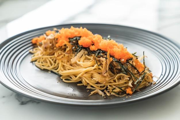 Spaghetti salsiccia giapponese con tobiko