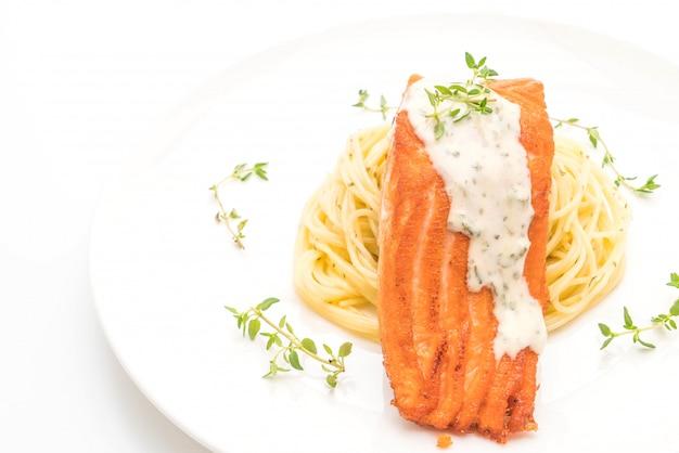 Spaghetti with fried salmon