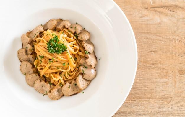 Spaghetti with sausage