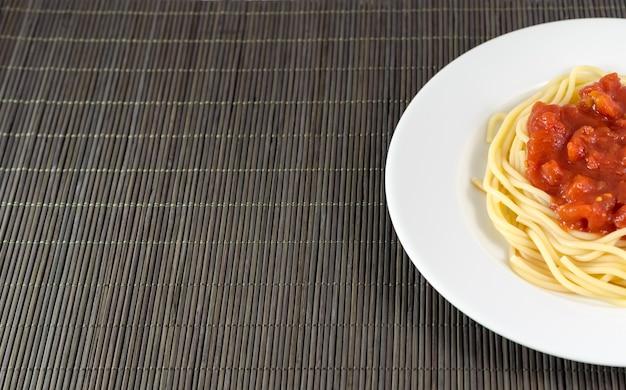 Spaghetti with tomato sauce, pasta