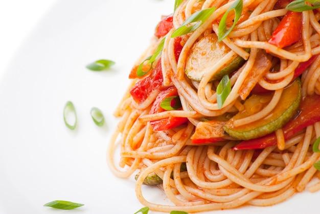 Spaghetti with zucchini and tomato