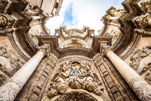 スペイン、バレンシア。大聖堂の詳細-バレンシアの聖母の被昇天大聖堂