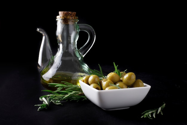 Spanish olives with leaves