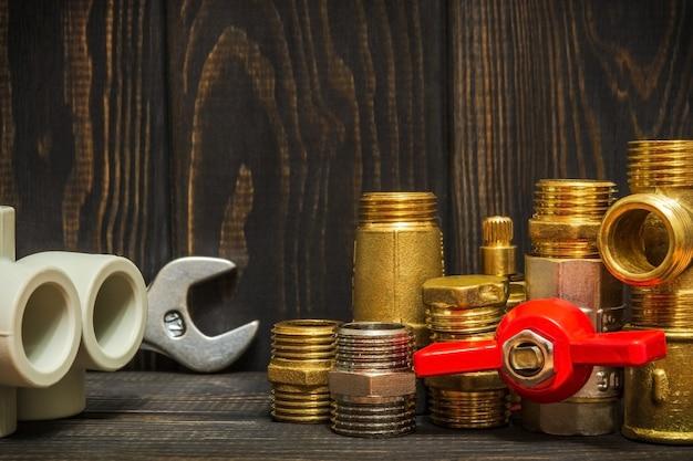 다크 빈티지 보드의 배관 수리를위한 예비 부품 및 액세서리