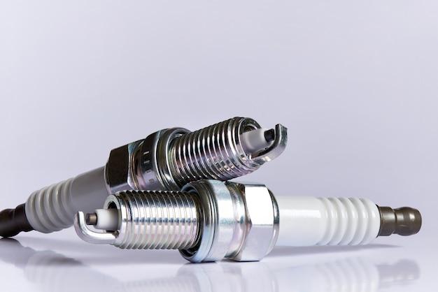 Свеча зажигания для двигателя внутреннего сгорания.
