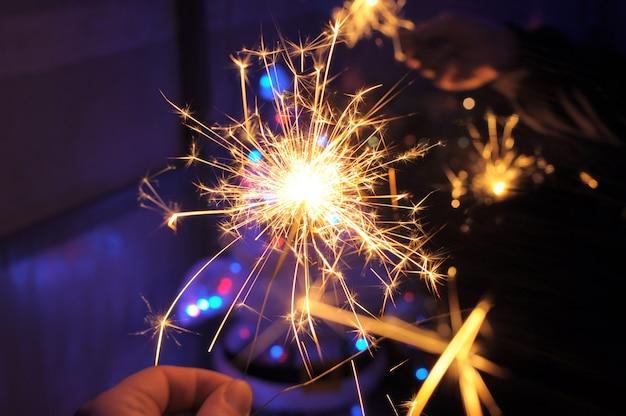 線香花火の道。クリスマスの夜