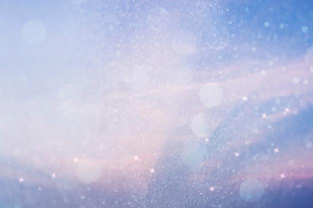 テキストスペースと輝く青い光の背景