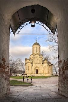 모스크바에서 spassky 대성당의 andronikov 수도원