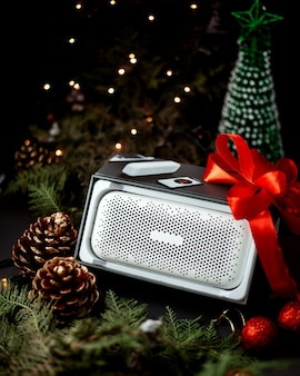 Speaker with new year toys