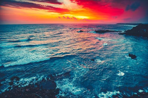 갈레 스리랑카 옆 인도양의 장엄한 밝은 일몰