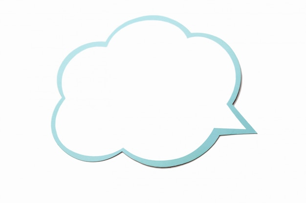 고립 된 파란색 테두리가있는 구름으로 연설 거품