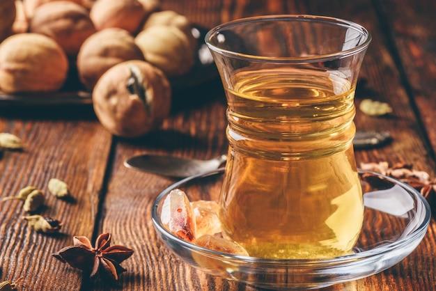 Пряный чай в восточном бокале