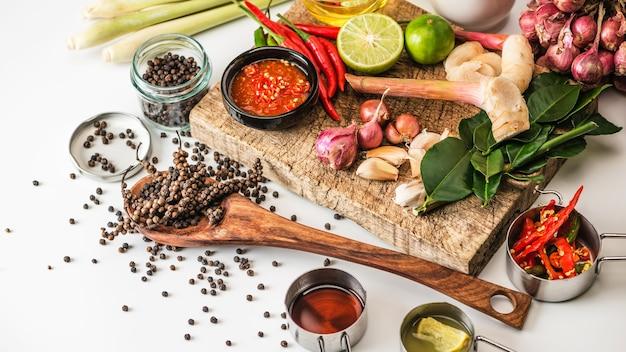 木製の調理材料として使用するためのスパイス