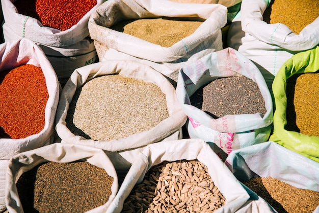 Специи на рынке в марокко