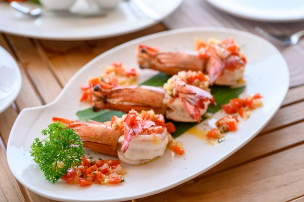 Spicy chili grilled prawns in plate