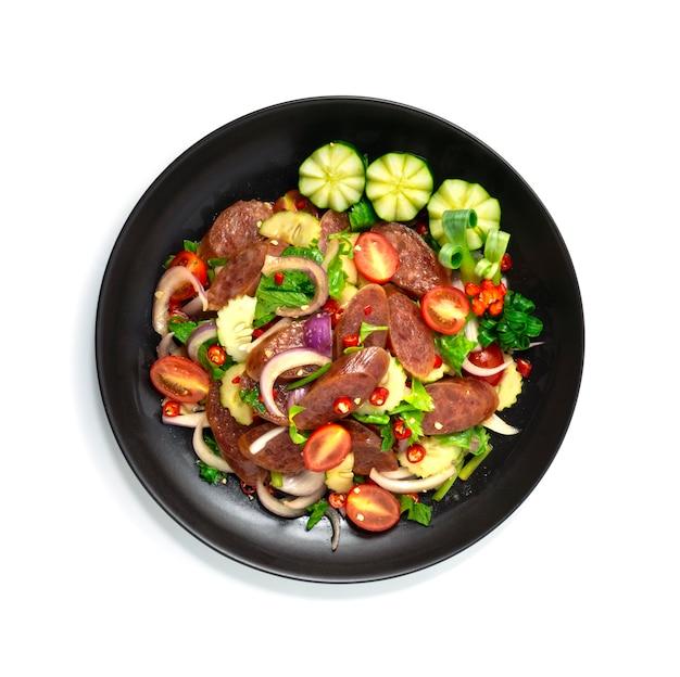 Острый китайский салат с колбасой