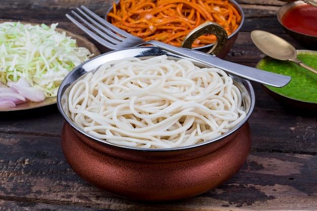 スパイシーな野菜の野菜麺