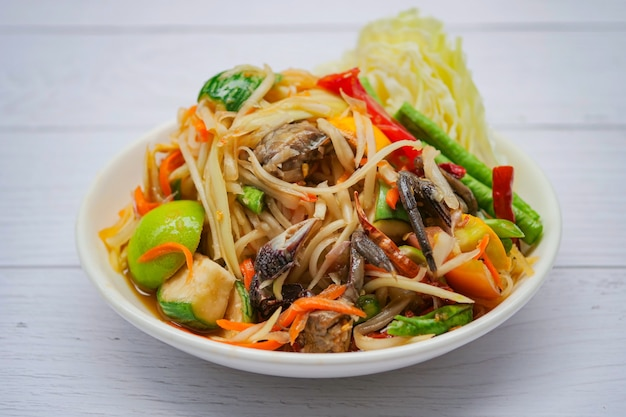 Spicy green papaya salad with vegetables