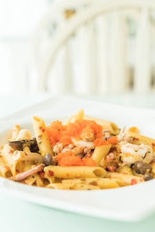 Spicy penne seafood