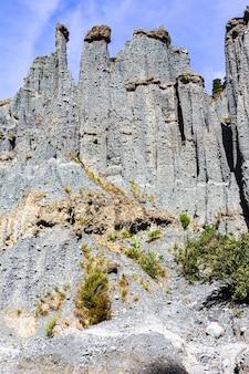 Острые скалы долины путангируа пиннаклс. северный остров, новая зеландия
