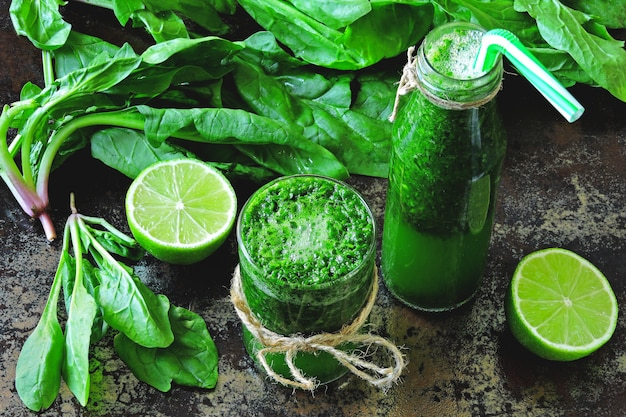 Spinach smoothie with lime juice.