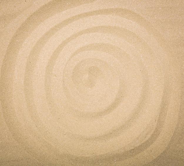 砂浜でのスパイラル