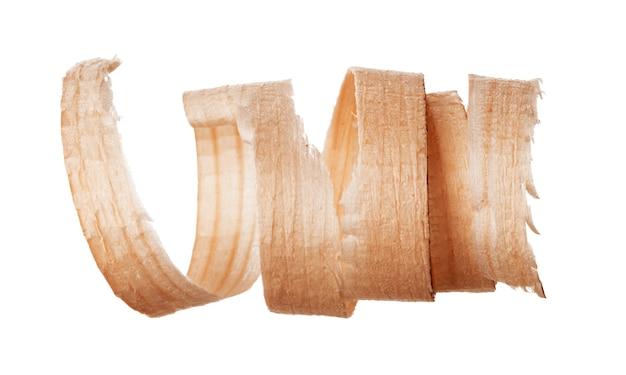 Спиральная деревянная стружка, изолированные на белом фоне